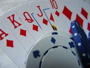 como jugar al Pontoon en casinos Online